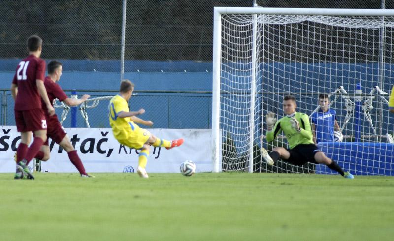 Husmani scored on this shot; photo:nkdomzale.si